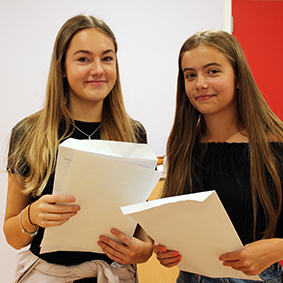 GCSE results day 4aweb